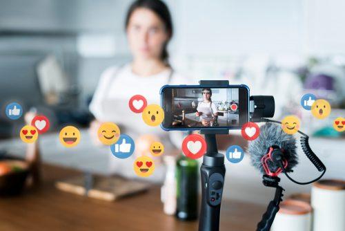 vlogger live streaming on social media
